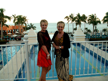 My sister Traci went with me on vacation to Mexico.